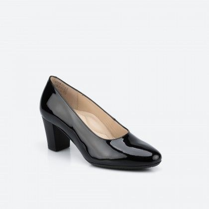 Patent black pump shoe  - Barcelona 003