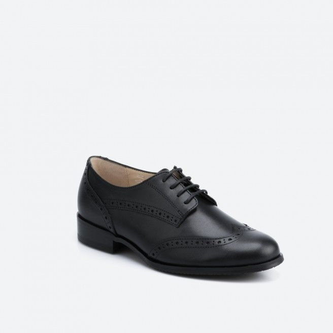 Lyon 001 - black laced shoe