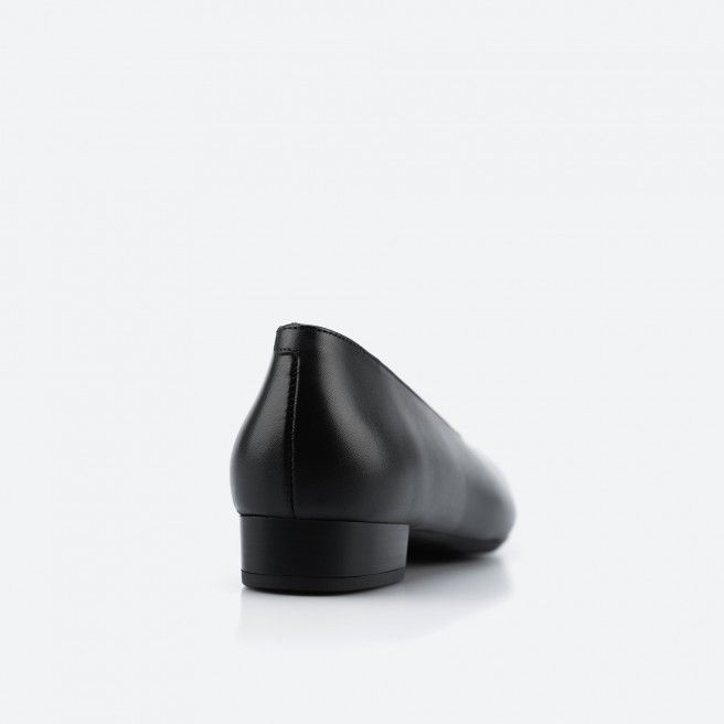 Arlanda 001 - black ballerina